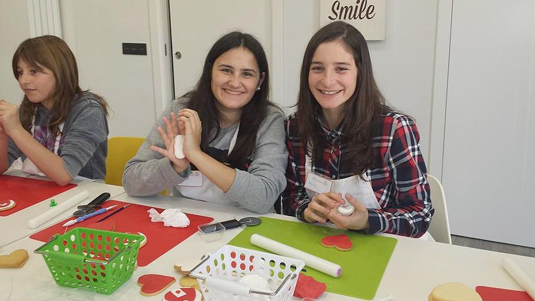 Taller-galletas-decoradas-alumnas